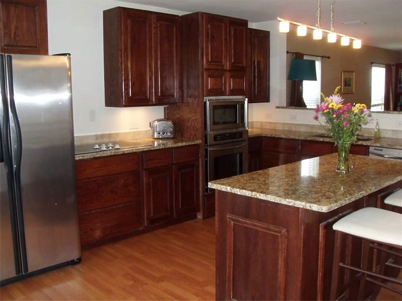 Kitchen cabinets for Custom built kitchen cabinets