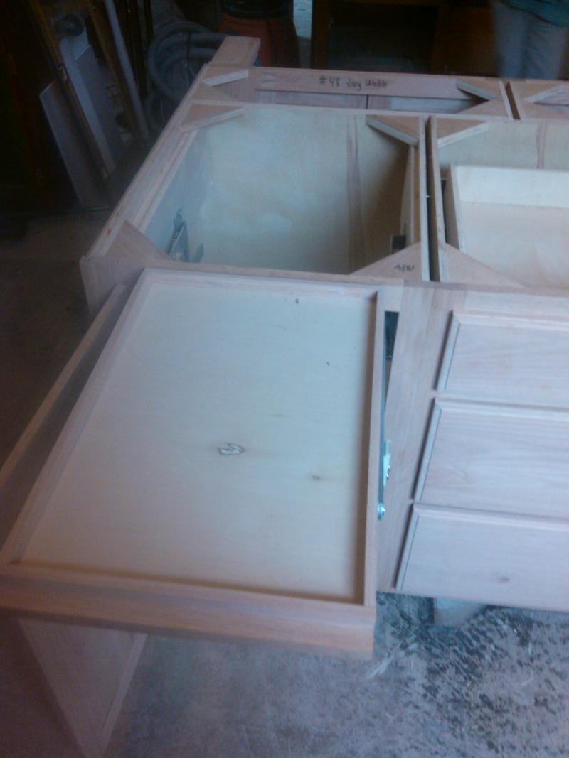 15custom-cabinets-.jpg